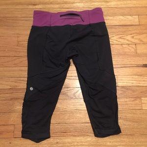 lululemon athletica Pants - Lululemon black workout capri pants - sz 8